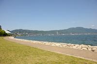 なぎさ公園と琵琶湖、比叡山