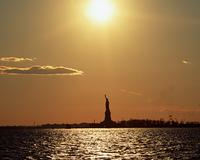 夕焼け空と自由の女神