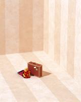クラフト(花束とスーツケース)