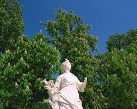 チュイルリー公園の彫像