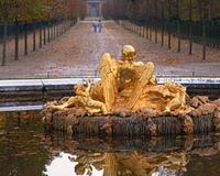 庭園の彫像