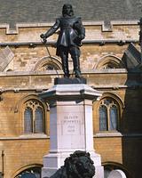英国議会議事堂のブロンズ像