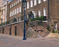 ロンドン塔と石畳
