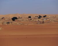 砂漠と町並