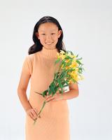 花を持つ少女