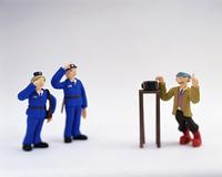 クラフト(警官とカメラマン)