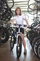 Female cyclist chosses a new bike