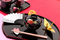 和のお祝い御膳 折鶴と扇 和の飾り