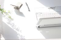 ビジネスツールとノートパソ コン携帯