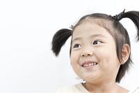 微笑む少女
