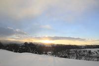 雪原と朝焼け