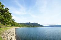 夏の田沢湖湖畔