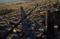 モンパルナスタワーの影