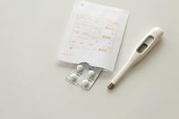 薬と体温計