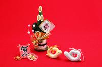 夫婦巳年クラフト手作り人形と門松