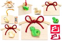 巳年広告写真イラストパーツ素材オリジナル蛇と絵馬