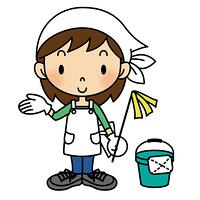 ハタキを持つ掃除姿の女の子