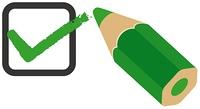 チェックマークと緑の色エンピツ