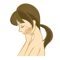 目を閉じる横顔の女性