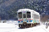 雪の翌日の若桜鉄道
