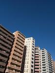住宅街のマンション群