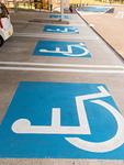 高速道路の優先駐車スペース