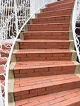 カーブした階段