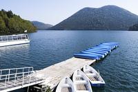 然別湖と観光船