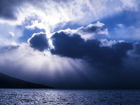 支笏湖と光芒