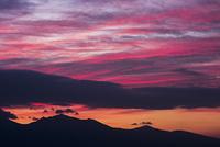 前富良野岳と朝焼け
