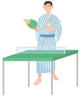 浴衣で卓球をする男性