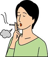 煙草を吸う20代女性