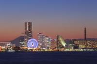 横浜 みなとみらいの夕景