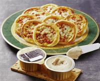 フォアグラのパテとミニピザ
