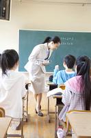 小学校の授業風景