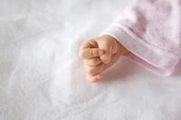 赤ちゃんの手元