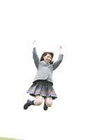 ジャンプをしている女子高生