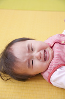 泣く保育園女児