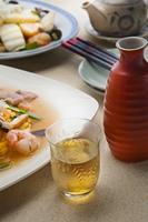紹興酒のある食卓