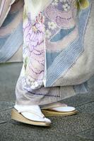着物姿の女性の足