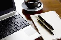 ペンとノートとノートパソコン