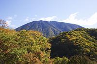 紅葉と男体山