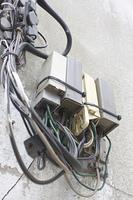 建物外壁の電話回線分配機