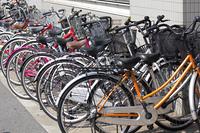 歩道の自転車の迷惑駐輪
