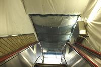 エスカレーター天井の工事養生シート
