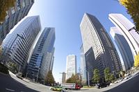 新宿のオフィス街