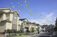 住宅と葉っぱ