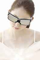 3Dメガネと女性