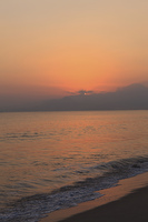 弓ケ浜から大山を望む日の出