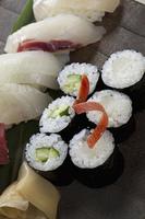 お寿司の盛り合せ